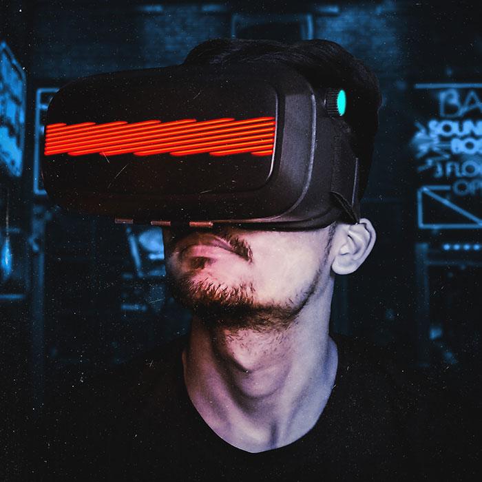 Date night checklist: Dinner, movie... virtual reality?