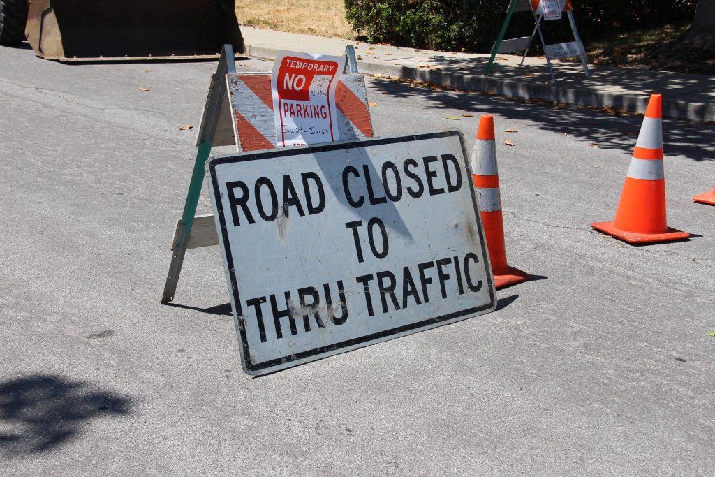 road-closed-2698182_1920