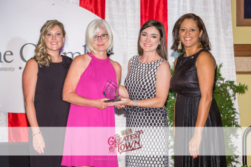 four-women-with-award-women-in-business