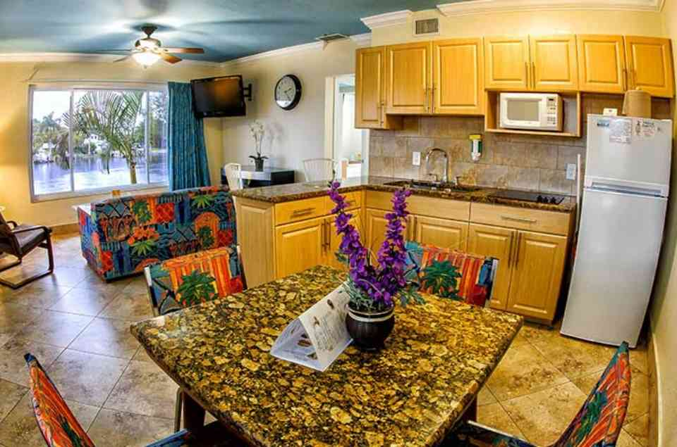 Kitchen and Dining room table at t Superior Small Lodging on Tampa Bay Beaches