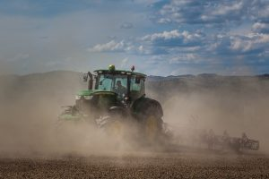 tractor-5214998_1920