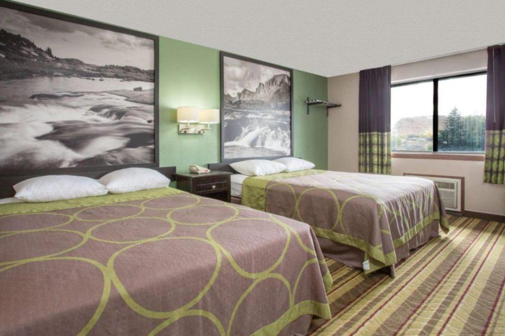 Super 8 Room 2