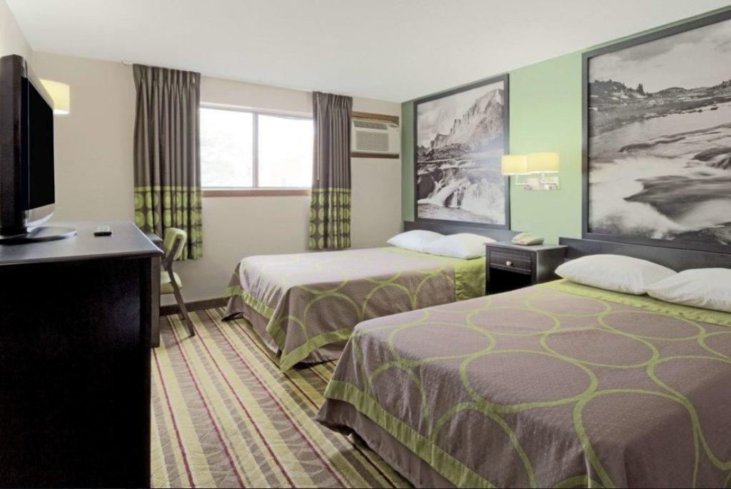 Super 8 Room 4
