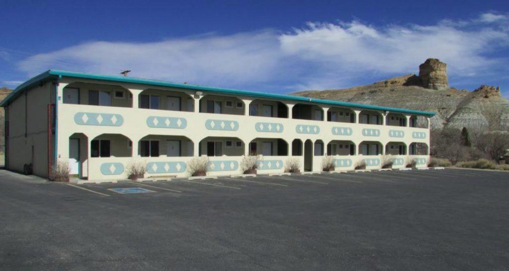 Western Inn Front