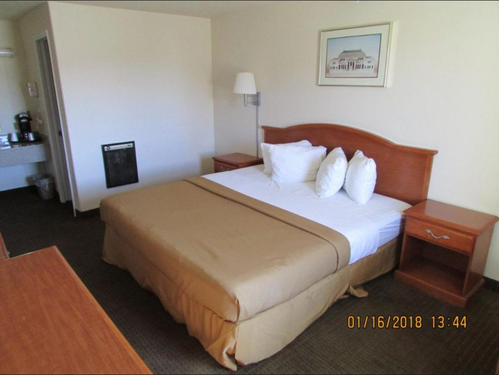 Western Inn Room