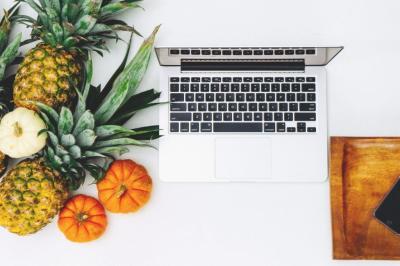 computer-food-fruit-204686_copy_400x266