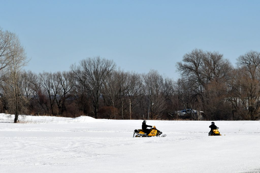 Heuvelton-snowmobile-chill