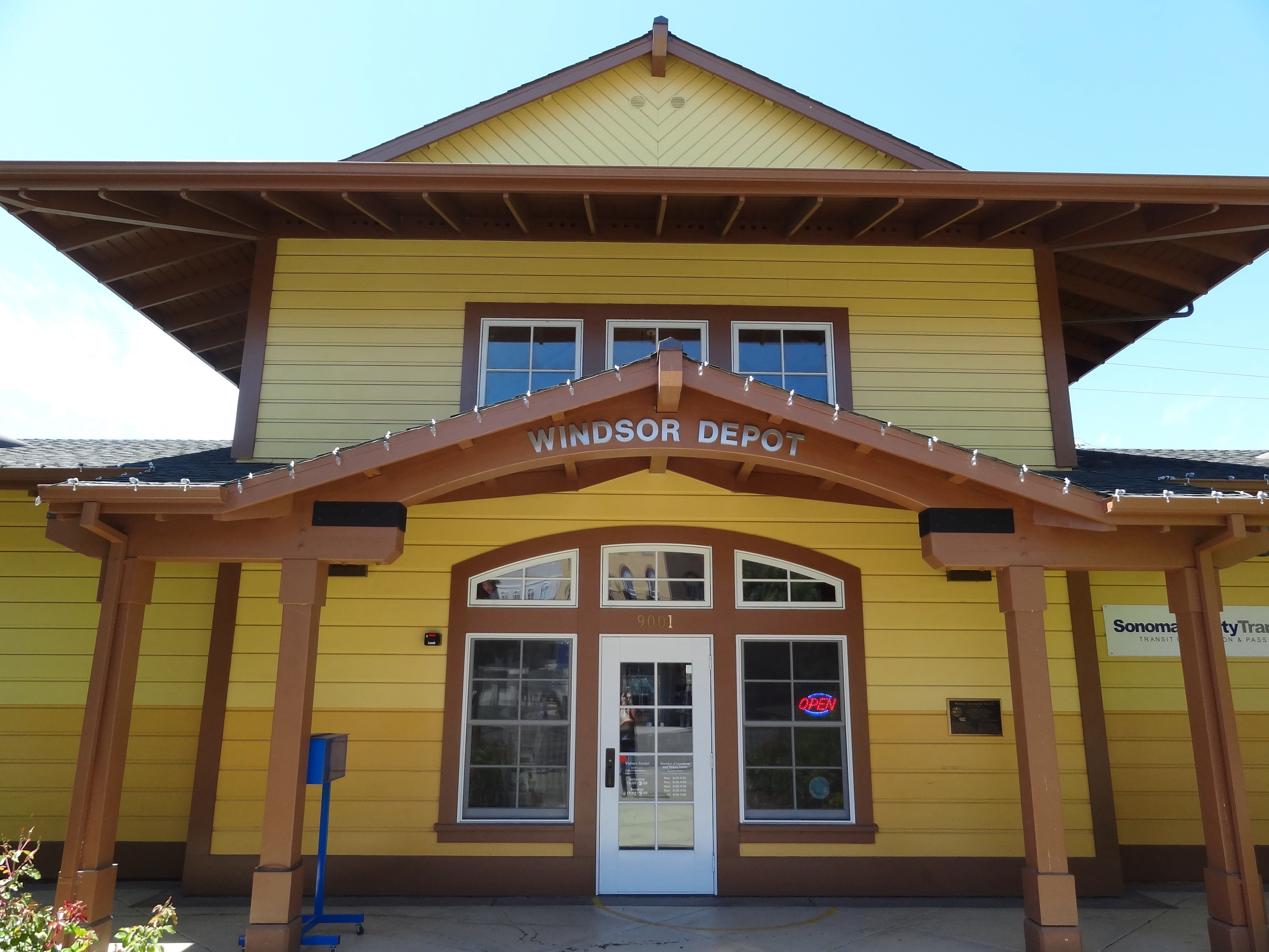 cities_towns_Windsor_depot_Sonoma_County_013