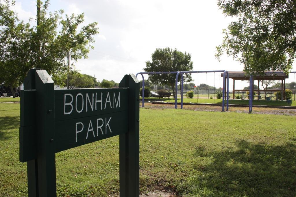 Bonhill Park