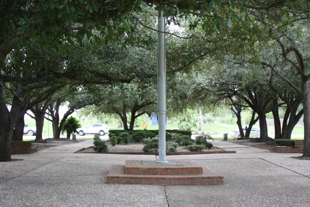 City Lake Liberty Garden Park