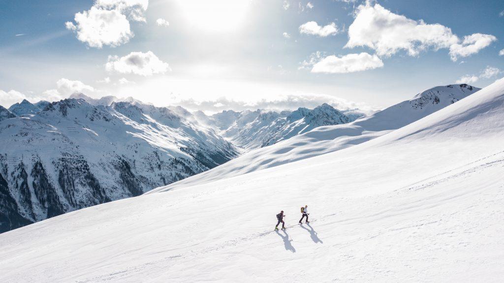 two-man-hiking-on-snow-mountain-869258