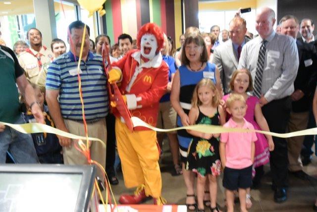 McDonalds Lake Street Ribbon Cutting