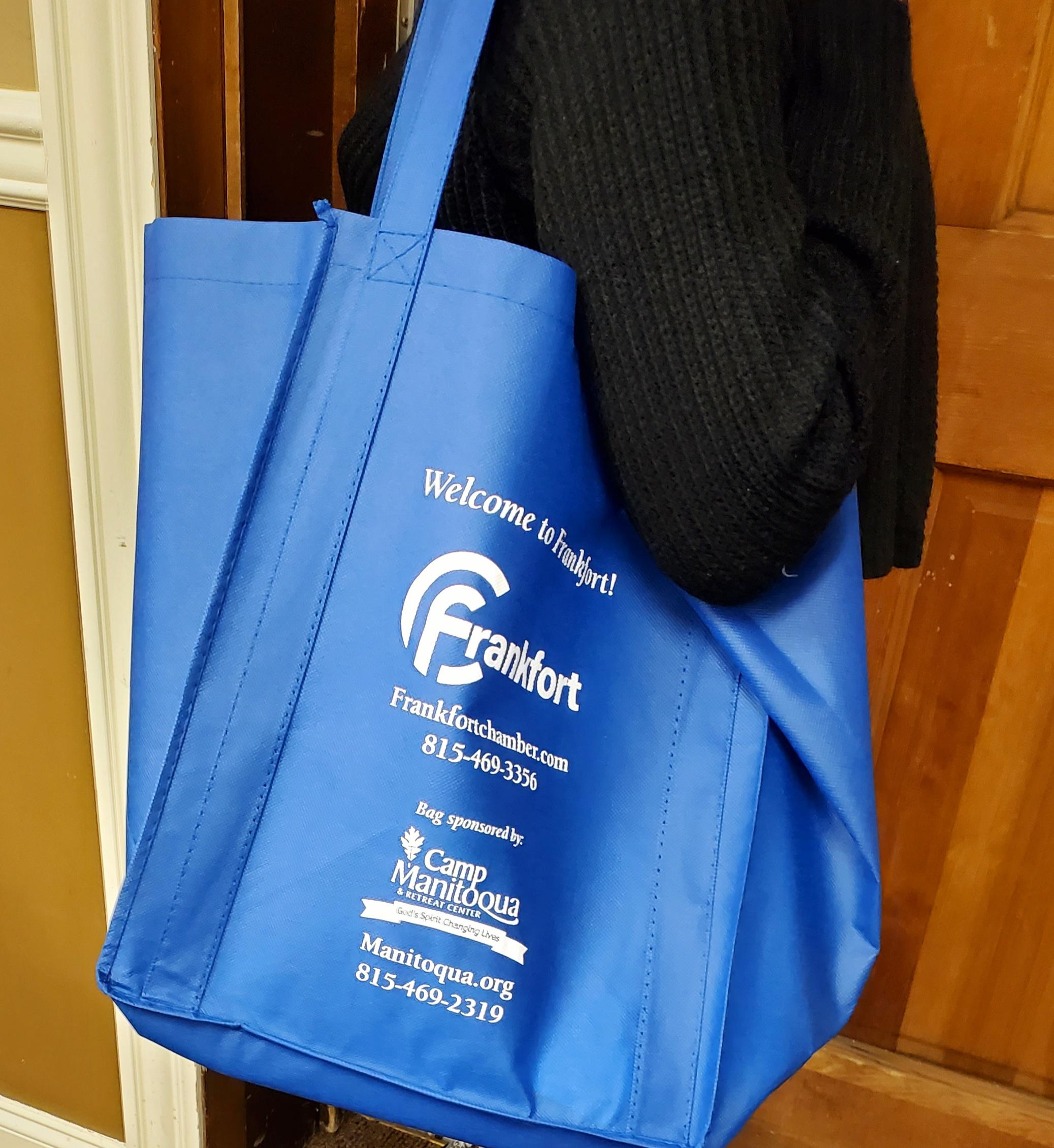 bag on shoulder pic