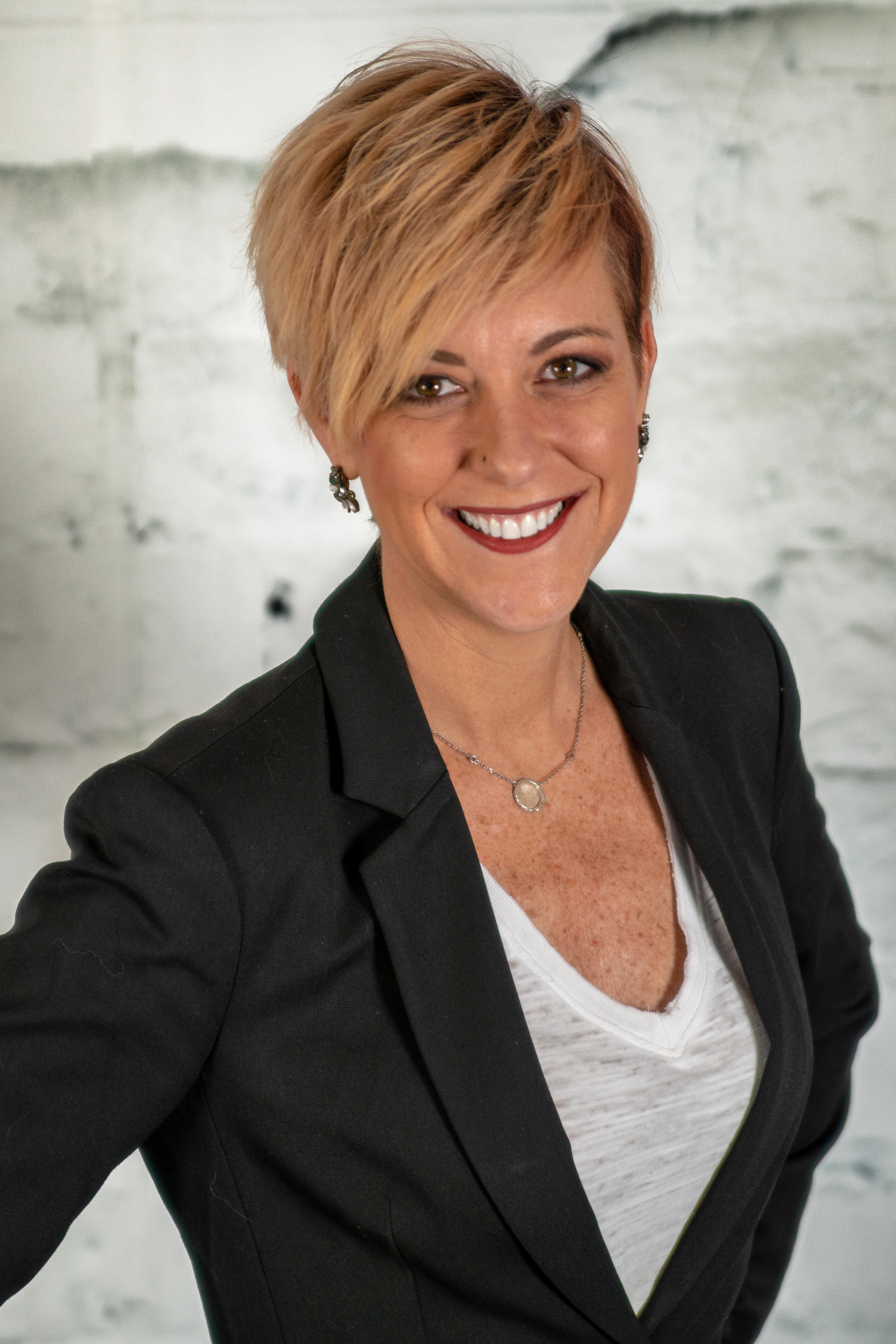 Kate Wicker Headshot