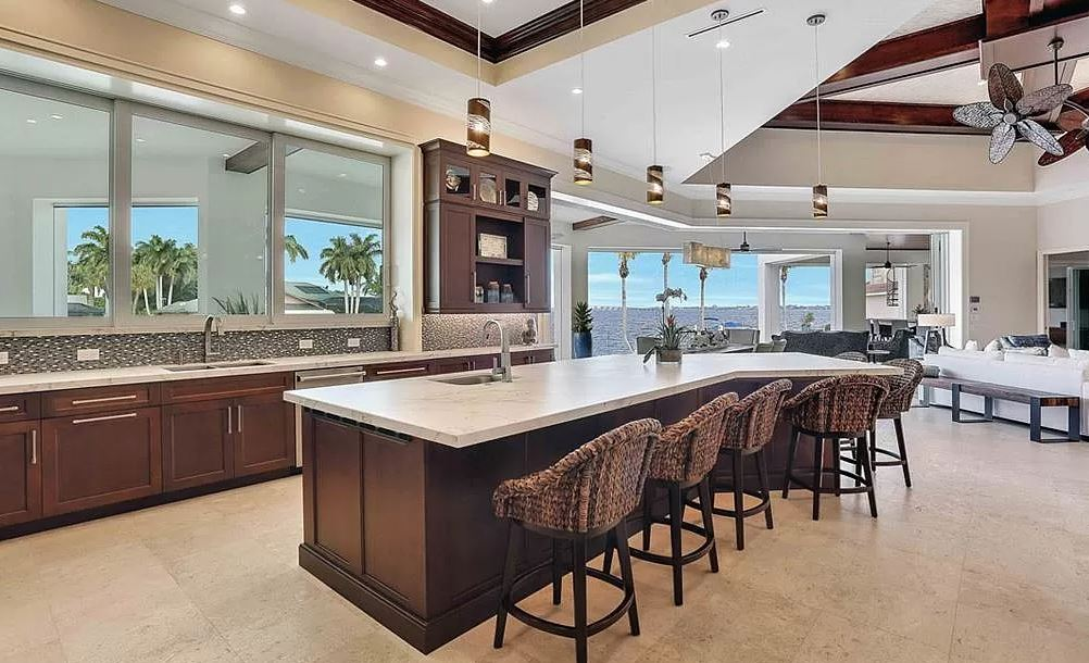 Windward Dream Kitchen