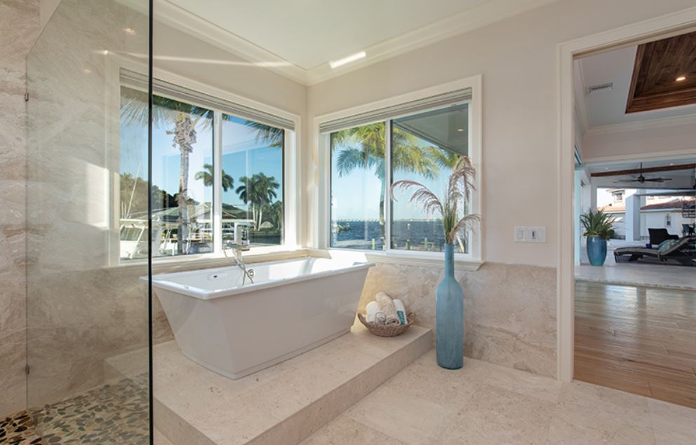 Windward Main Bath 2