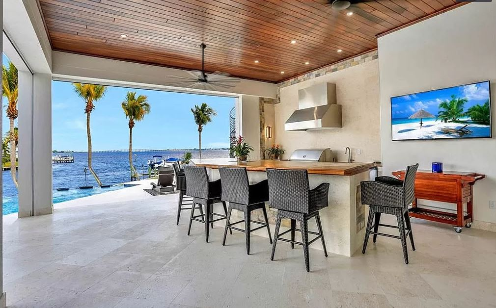 Windward outdoor living