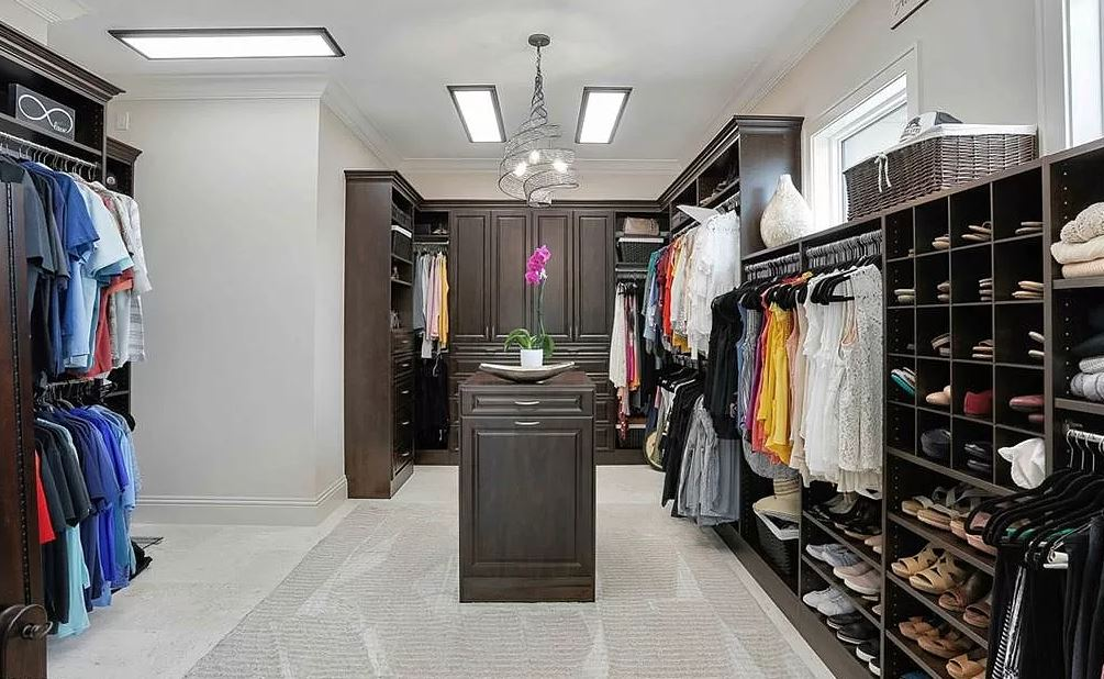 windward dream closet