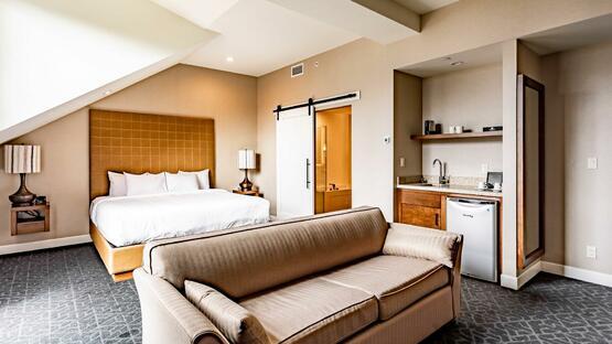 guestroom-royal-king-2-result-wide Malcolm Prize