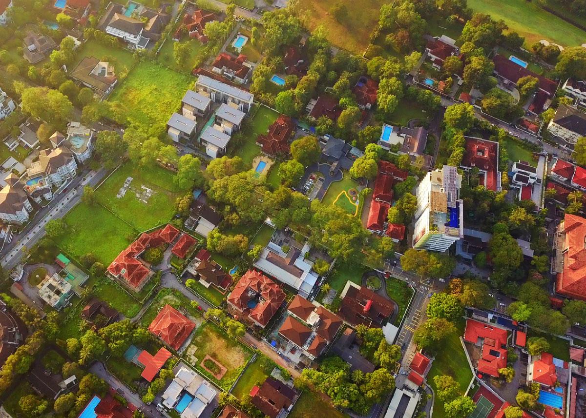 Housing in neighborhood
