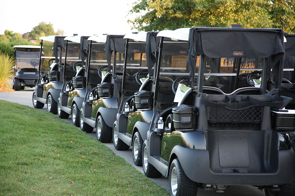 Golf-Outing-Blog-Art--Row-of-Golf-Carts-at-Mac-Legends-2015-GENERIC-shot