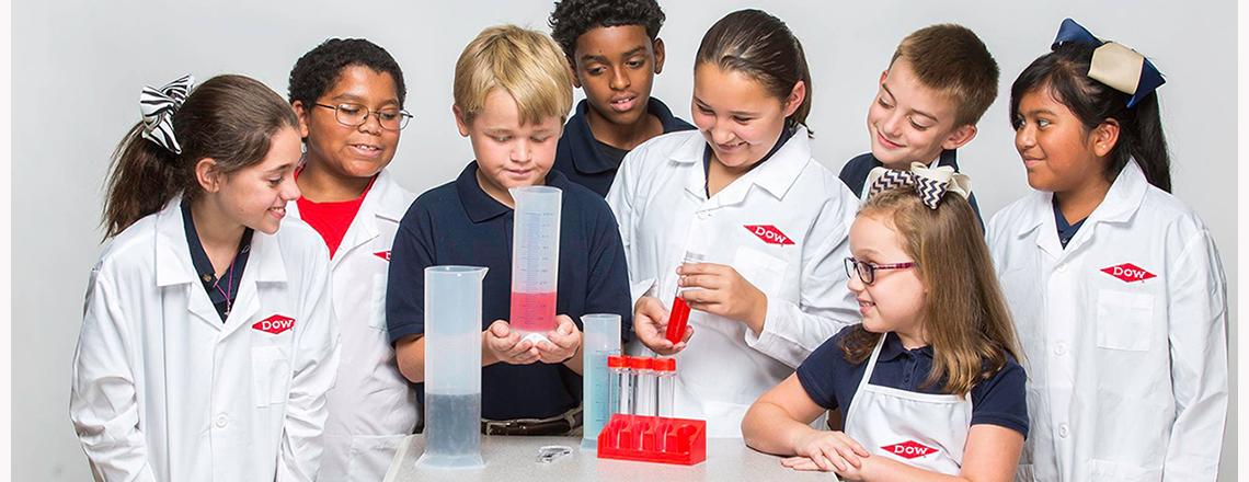 STEM kids in lab