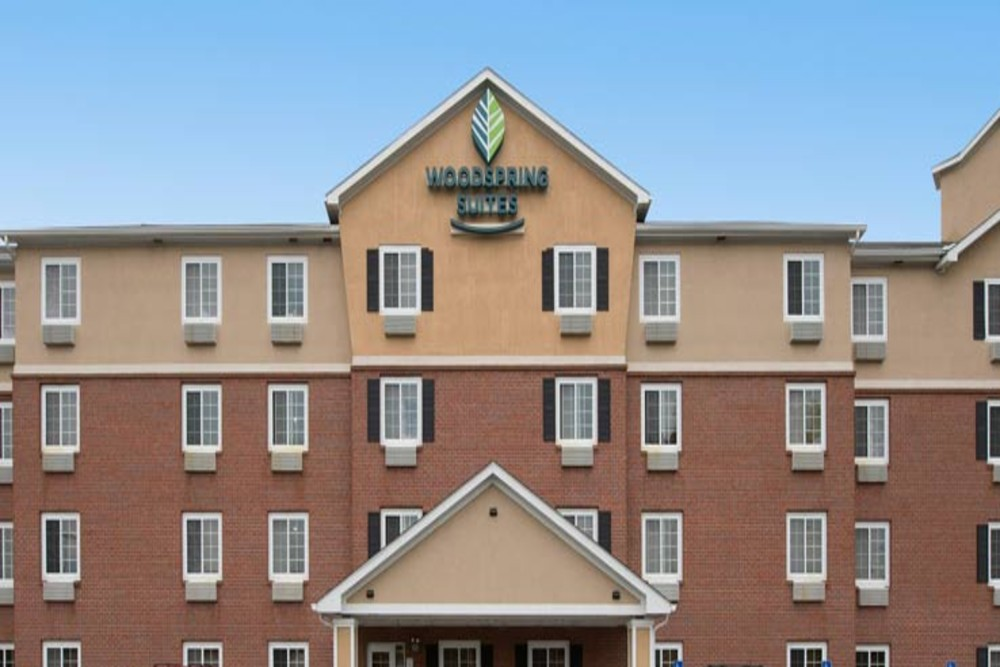 woodspring suites b