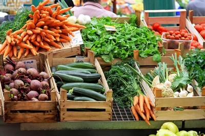bigstock-vegetable-market-19473113