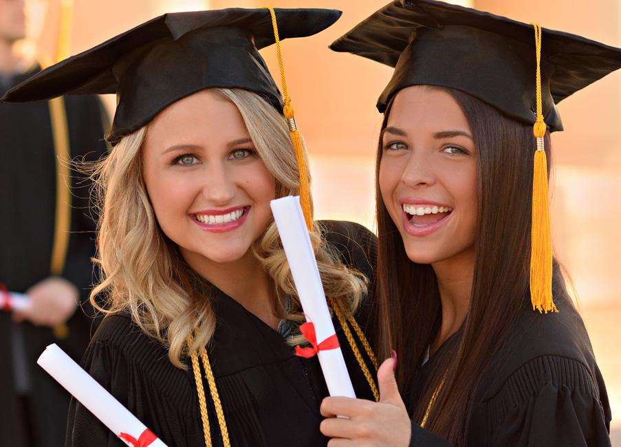 Graduation-photos-2-girlfriends