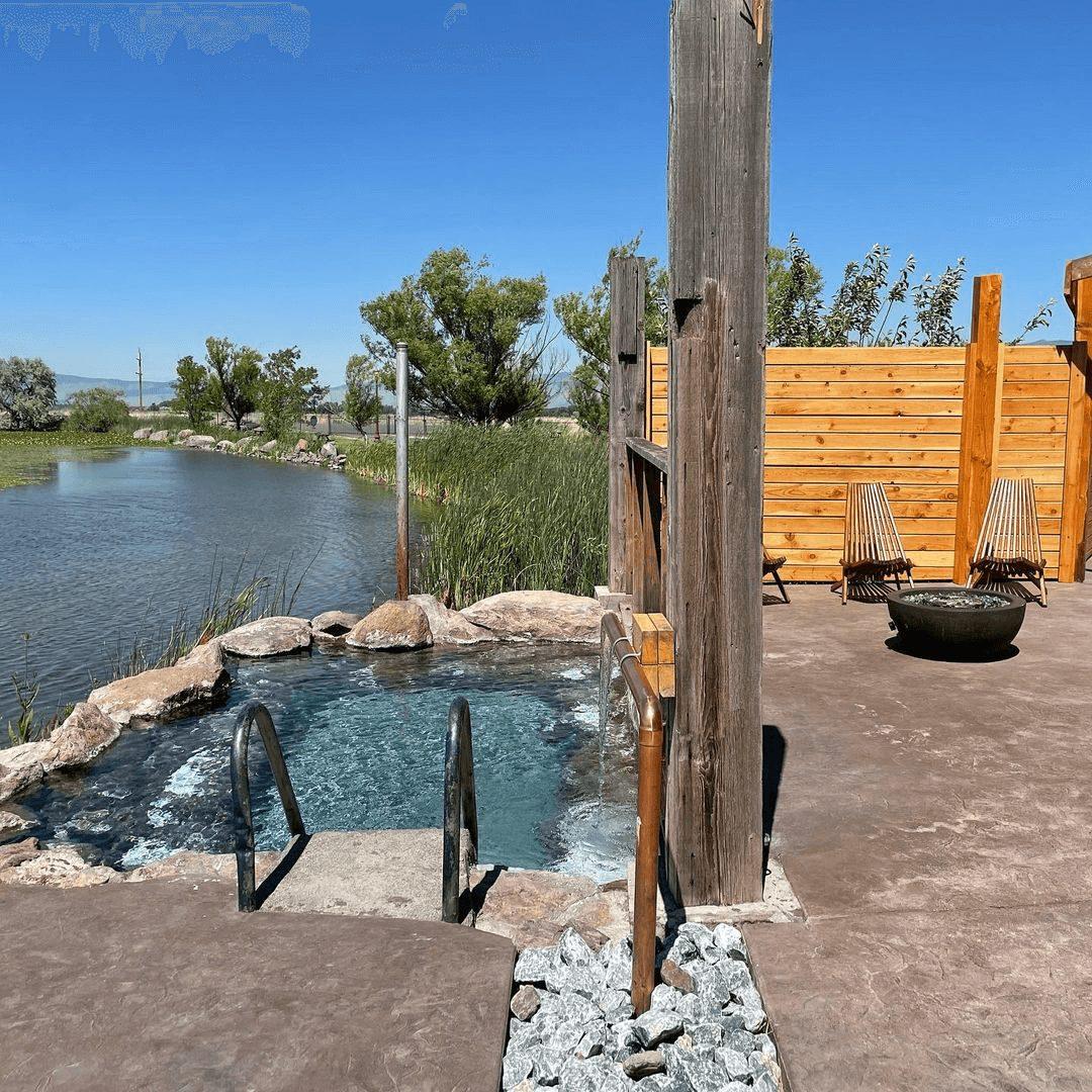 @hotlakelodge-Soak-Hot-Springs-compressed