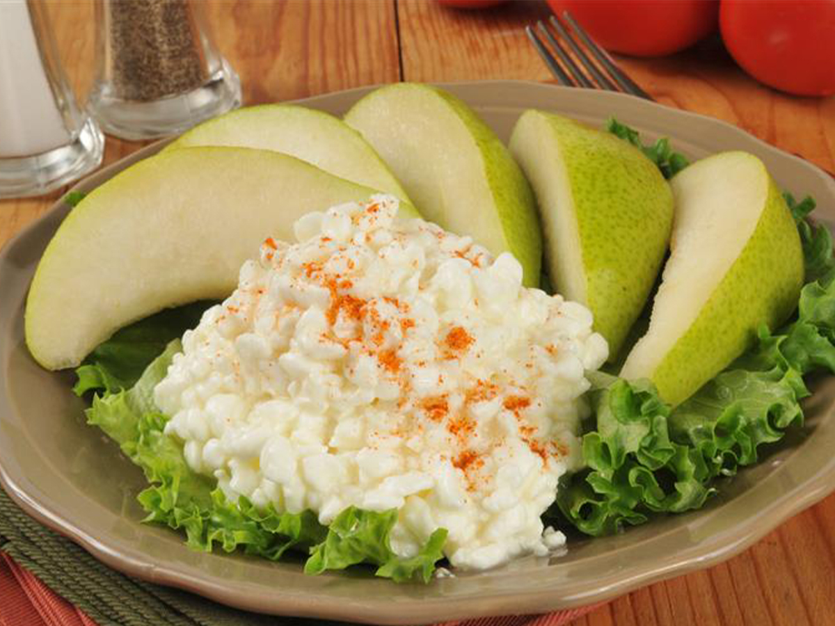 Pears and cottage cheese