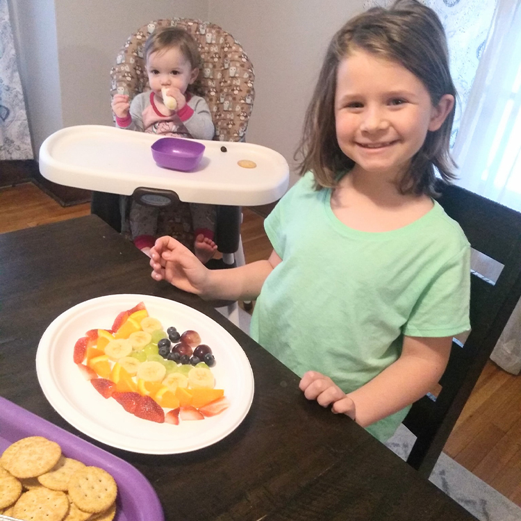 Applebees Daycare - Crackers and rainbow fruit