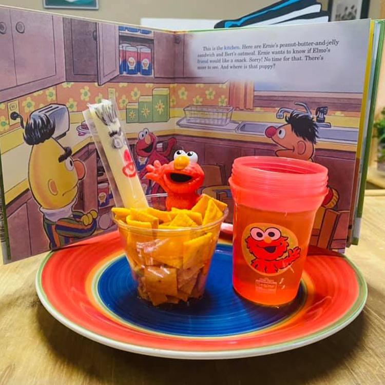 Junior Buckaroo - Elmo crackers and cheese stick