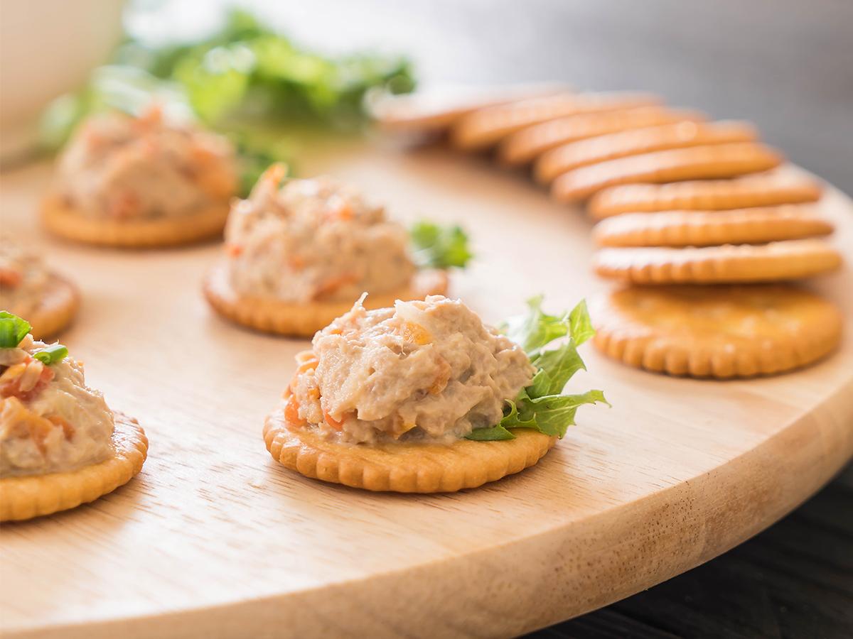 Tuna on cracker