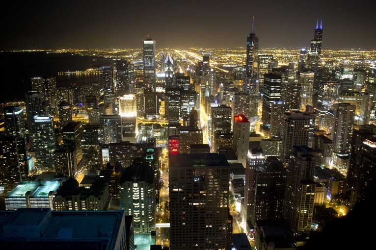 downtown-chicago-on-eve-of-summit-at-night
