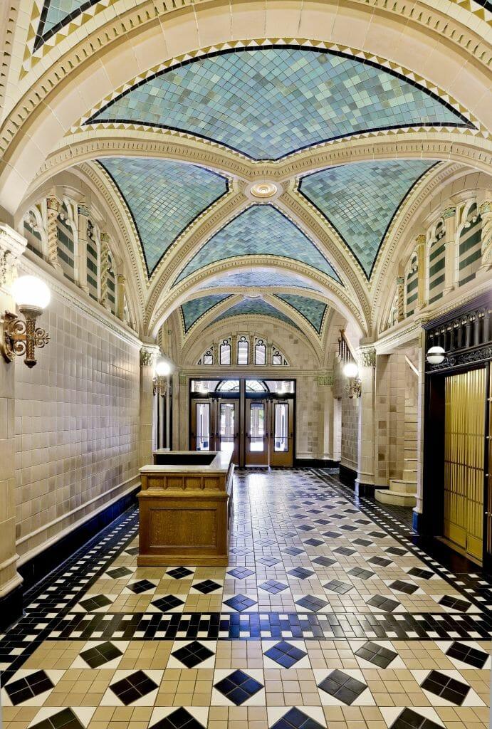 monroe-building-lobby