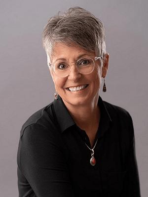 Lisa headshot for newsletter and web