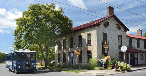 exterior photo of Olde Bryan Inn