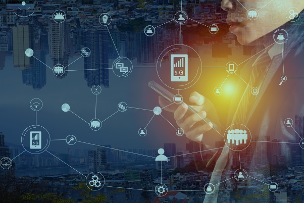 businessmen are playing social media, mobile cyber, with notification icons such as, online shopping messages, recommendations, on-screen comments, hand-held devices, internet marketing will become