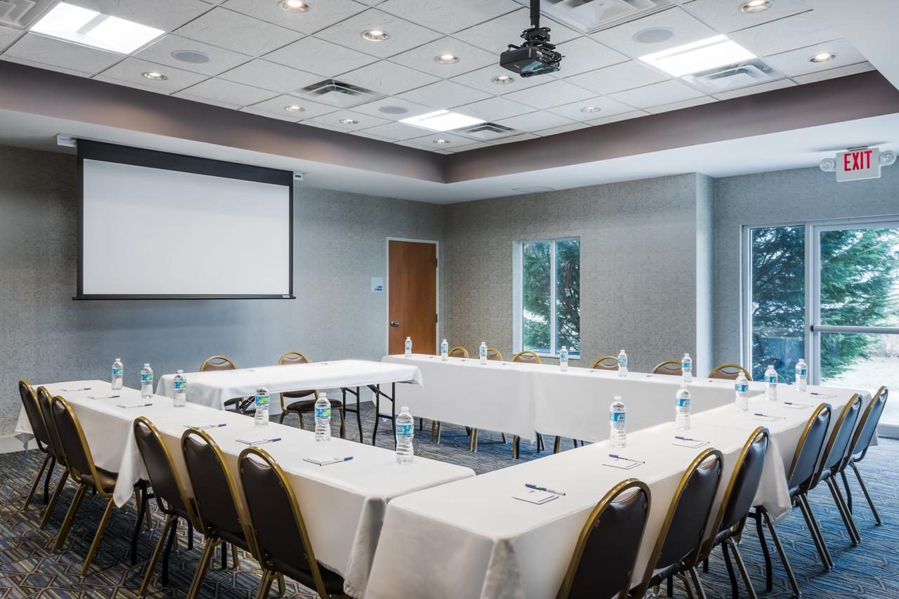 Holiday Inn_Meeting Space