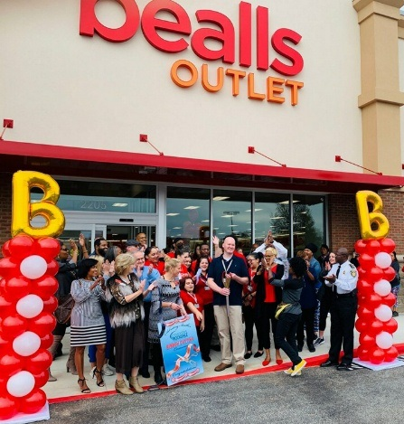 Bealls Outlet Ribbon Cutting