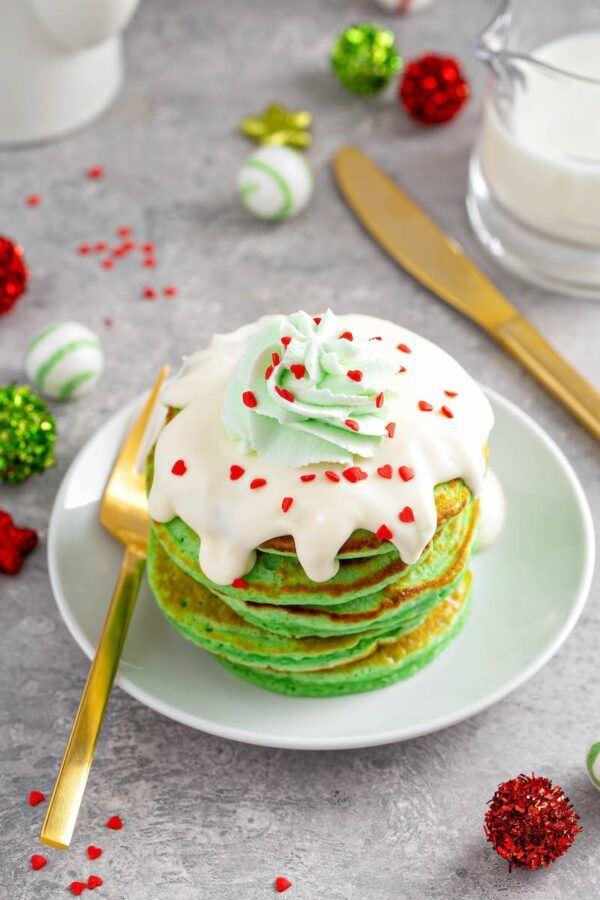 Grinch-Pancakes-5-sm-600x900(1)