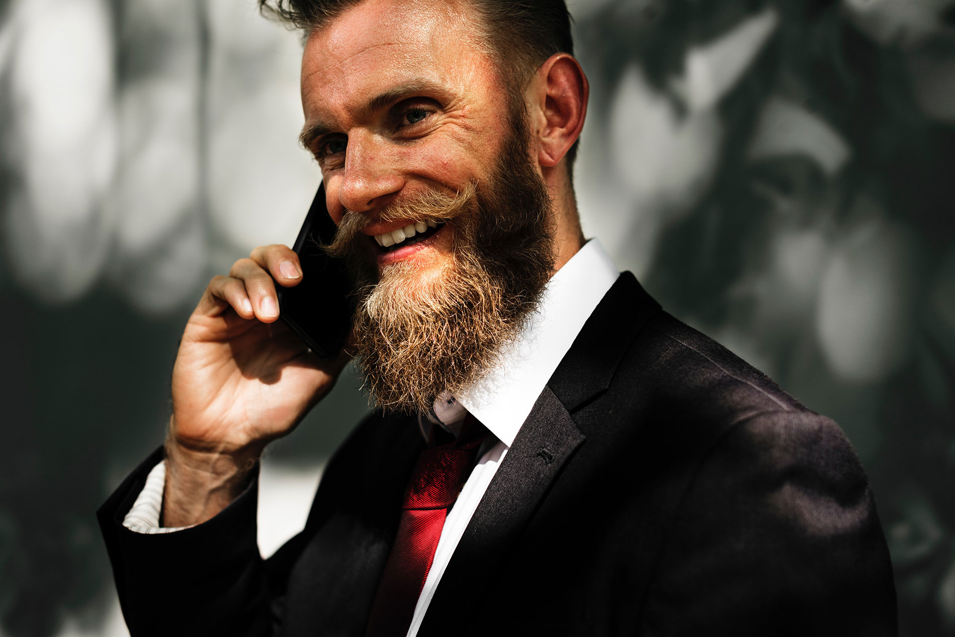 adult-beard-businessman-401685