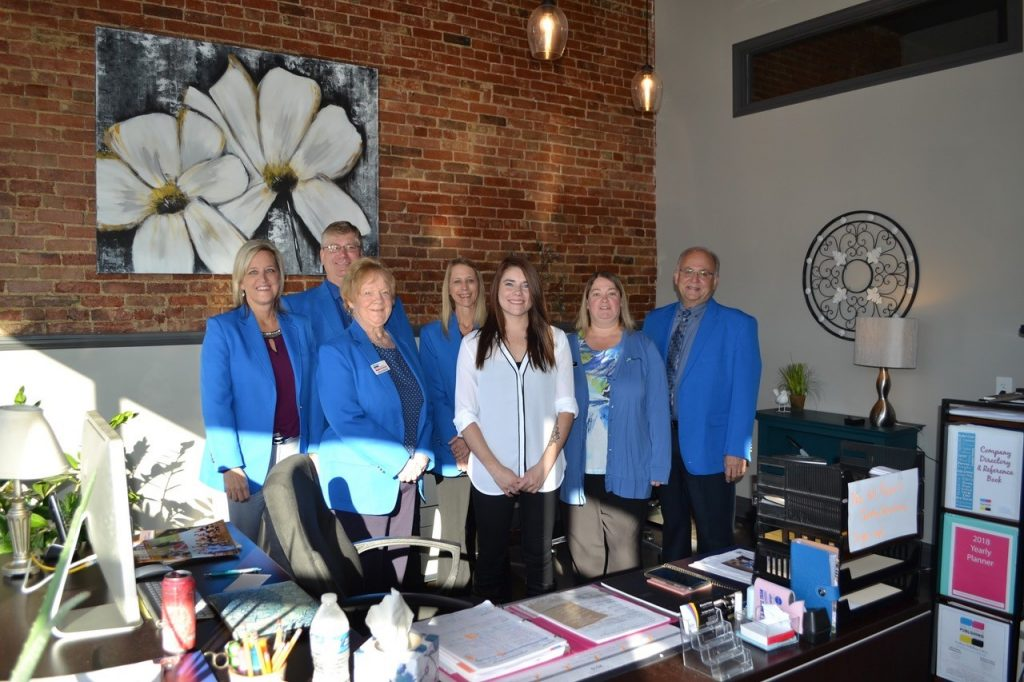 On October 17, Ogden Ambassadors hosted a courtesy call with Miranda  with the Ogden Reporter (205 W Walnut Street).