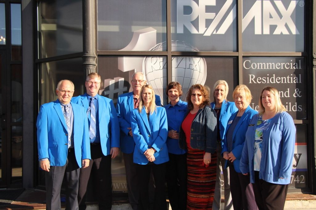 Ogden Ambassadors hosted a courtesy call with the owner and staff of RE/MAX Beacon Realty (205 W Walnut Street) on October 17.