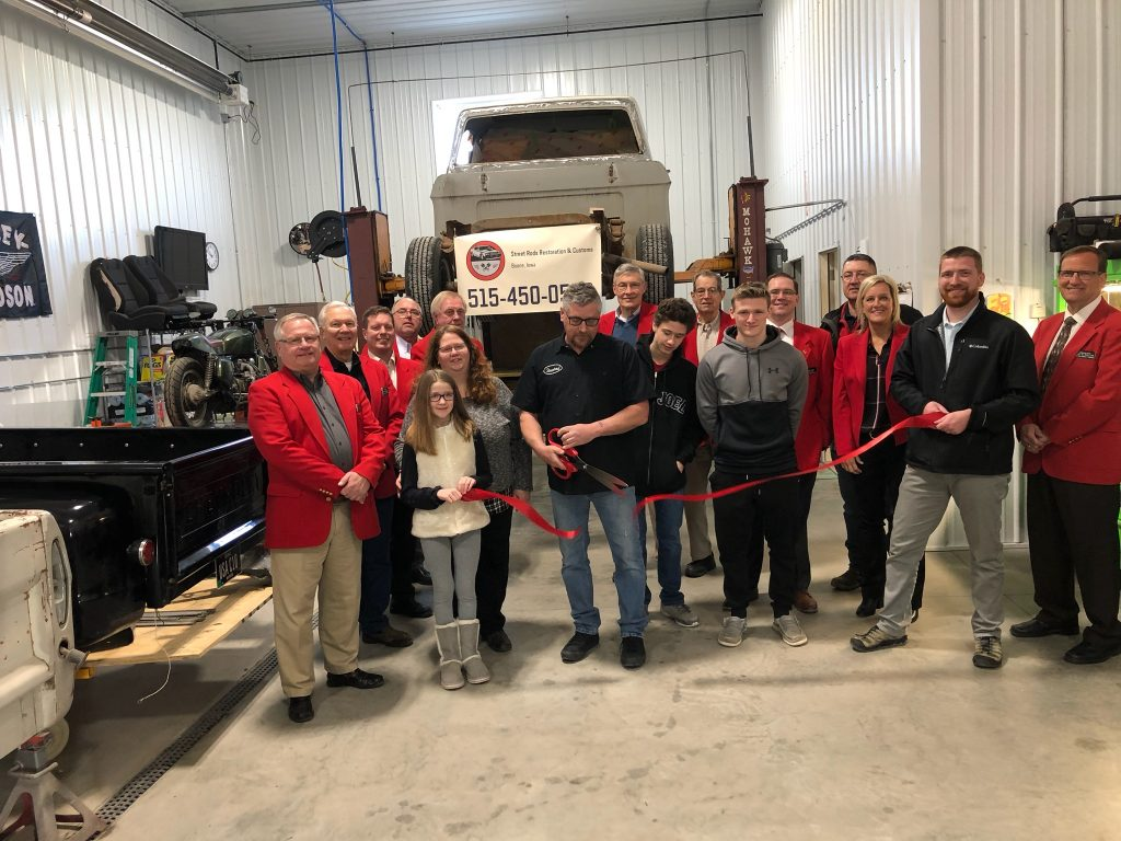 On February 11, Chamber Ambassadors and Rod Thompson, owner along with family & staff of Street Rods Restoration Customs (2528 Eastgate Drive) celebrated the opening of their new location.