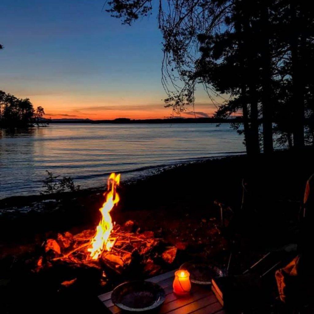 primitive camping sml